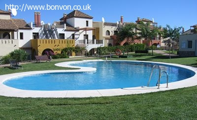 2 Bed Townhouse on Costa Esuri, Sea and Golf